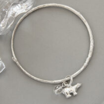72 Roaming Bear Bangle - sil