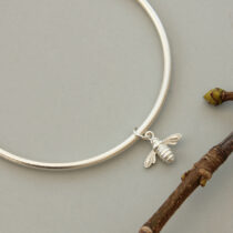 72 Worker Bee Bangle - sil
